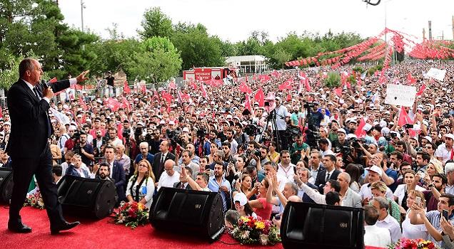 'Kürtleri onore edeceğiz, Türklerin de kaygılarını gidereceğiz'
