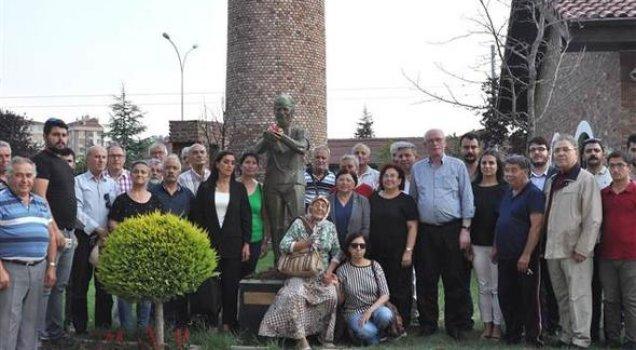 Ali İsmail Korkmaz, heykelinin önünde anıldı
