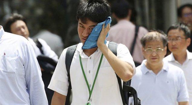Aşırı sıcaklar nedeniyle 80 kişi yaşamını yitirdi