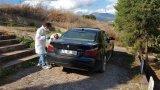 Karabük'te polis ekipleri, hırsızlık ihbarıyla geldiği evden kaçan 4 şüphelinin peşine düştü.