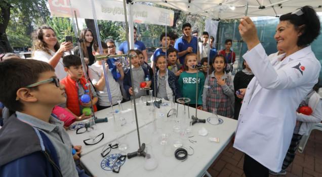 Buca'da bilim şenliği