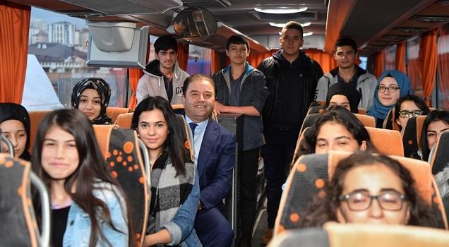 Maltepe Belediyesi'nin ücretsiz öğrenci servisi ödüllendirildi