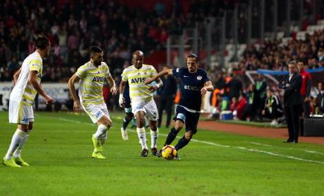 Fenerbahçe ilk yarıyı düşme hattında bitirdi