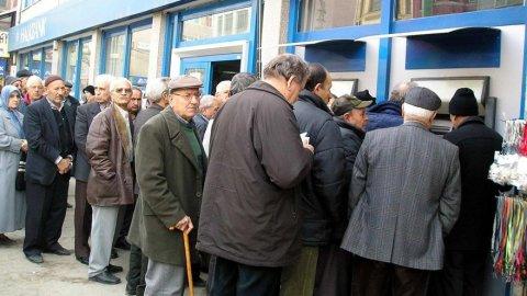 CHP: Emeklilere aylık 600 TL kira, yıllık 2000 TL ısınma yardımı yapılsın