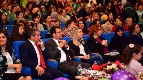 Ekrem İmamoğlu Sancaktepe'de 8 Mart etkinliğinde