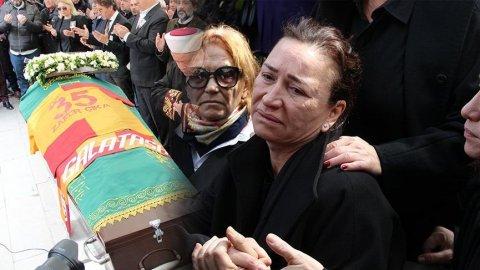 Demet Akbağ'ın eşi Zafer Çika'nın cenazesinde utandıran anlar!