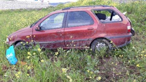 Otomobil şarampole yuvarlandı: Anne-baba yaralandı, bebekleri öldü