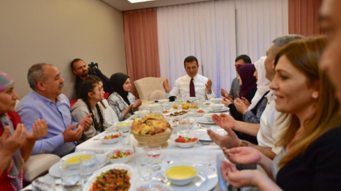 Eyüpsultan'da iftar açan Ekrem İmamoğlu'na yoğun ilgi