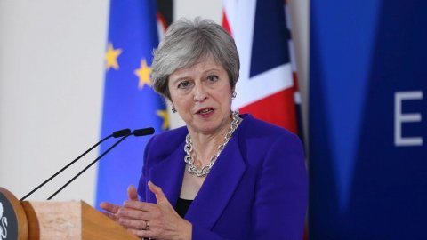 Theresa May, Brexit'i yeniden parlamentoya getiriyor