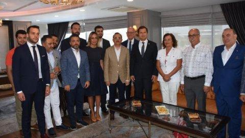 CHP'li Deniz Yücel, AKP İl Başkanı Kerem Ali Sürekli'yi ziyaret etti