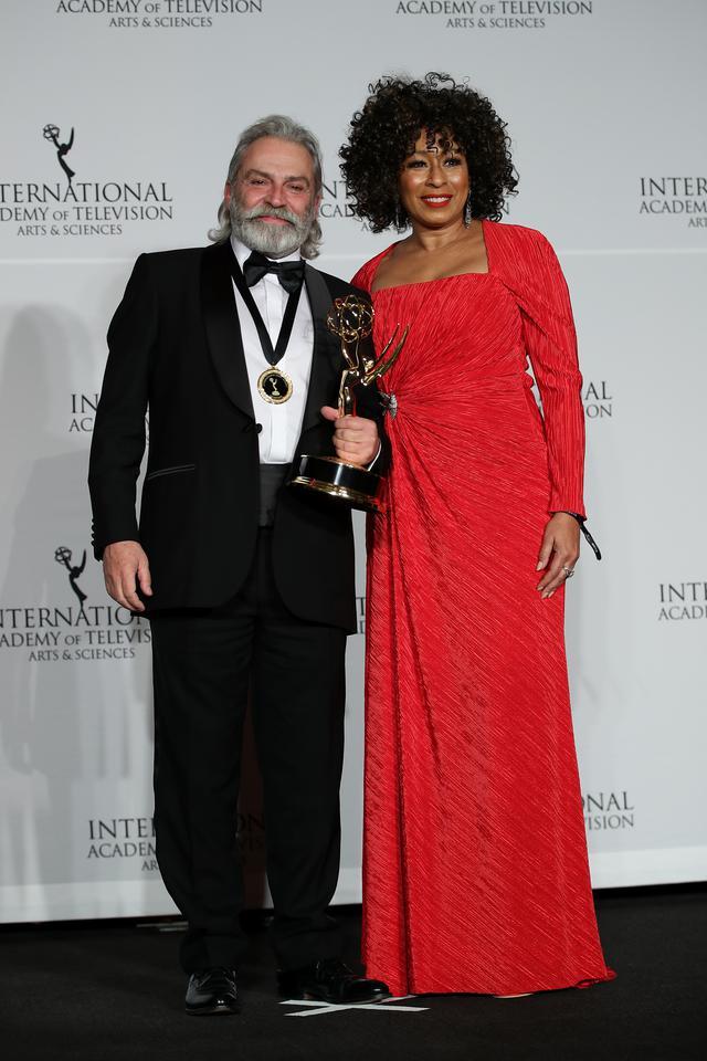 Image result for Haluk Bilginer, Şahsiyet dizisindeki performansıyla Uluslararası Emmy Ödülleri'nde En İyi Erkek Oyuncu seçildi