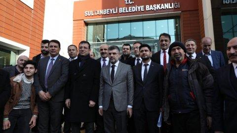 Ekrem İmamoğlu'ndan Sultanbeyli Belediyesi'ne ziyaret