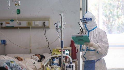 Umre'den 25 bin kişi döndü, yalnızca 8 bin test yapıldı... Sağlıkçılar tepkili!