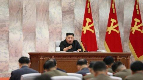 Kim Jong-un yine haftalar sonra ortaya çıktı! Fotoğrafta dikkat çeken detay