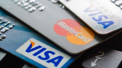 Kredi kartı olanlar dikkat! Resmi Gazete'de yayımlandı, taksit süresi uzatılıyor