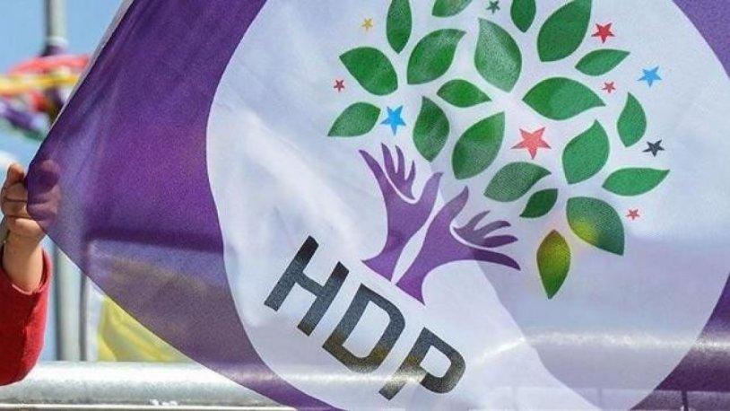 HDP İzmir İl Binası silahlı bir şahıs tarafından basılıp ateşe verildi!