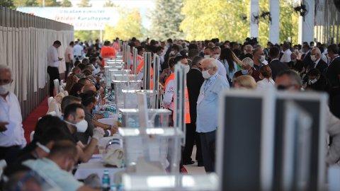 CHP'de cinsiyet ve gençlik kotasına takılıp PM'ye giremeyen 10 erkek!