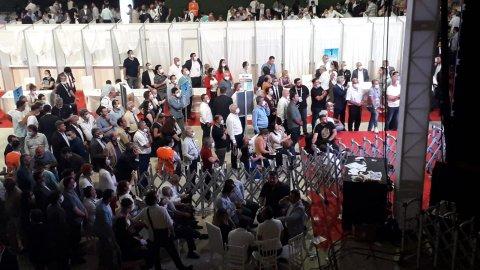 CHP'de nefesler tutuldu! Gece yarısı oy sayım işleminden yeni kareler