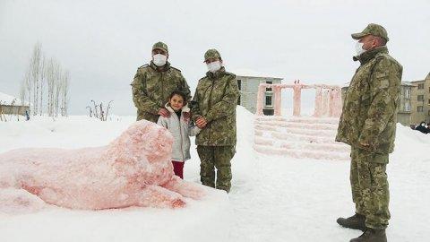 Babası kardan Anıtkabir yapan Hira, Ankara yolcusu