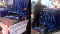 AKP'li belediye, İBB'nin Halk Ekmek büfesini kaldırdı! ile ilgili görsel sonucu