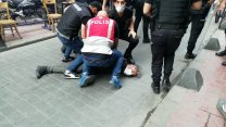 Onur Haftası yürüyüşü için toplananlara polis müdahalesi: AFP muhabiri gözaltına alındı